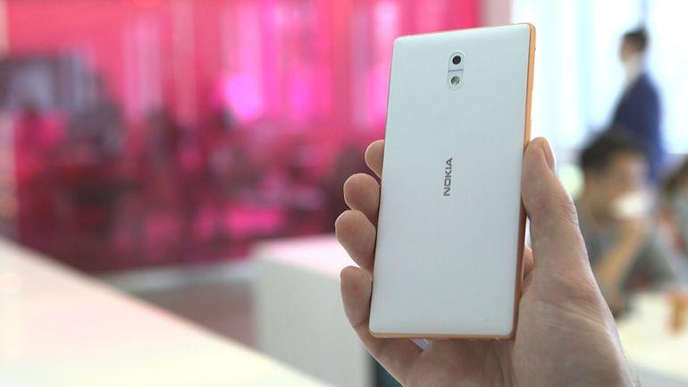 Nokia 32
